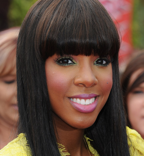 kelly-rowland-green-pink-makeup590do060211
